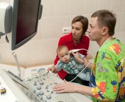 Сканирование мозга ребенка ультразвуком на нейросонографии